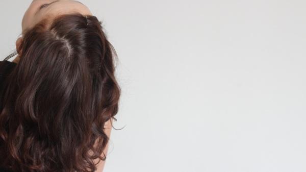 Cheveux henné longs
